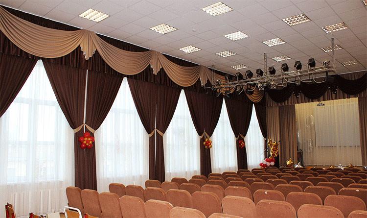 Пошив штор для сцены