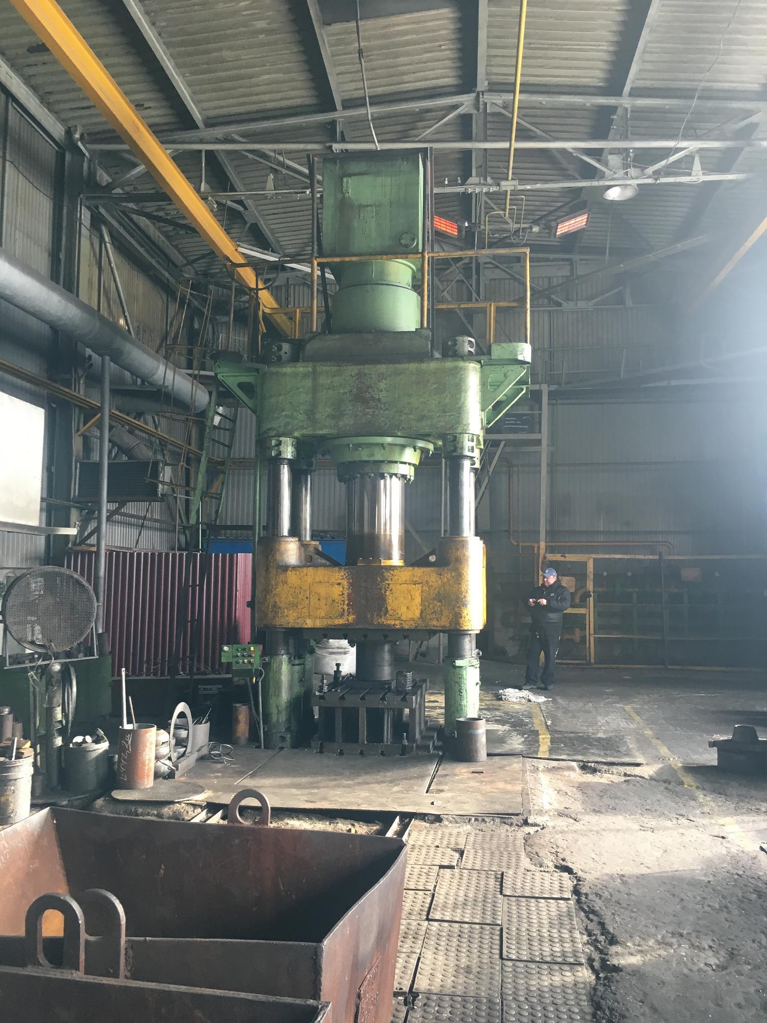 Пресс гидравлический  ДБ2240 ус.1000 тн.