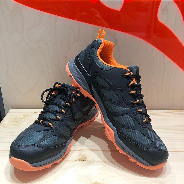Крутые кроссовки от WILDCRAFT