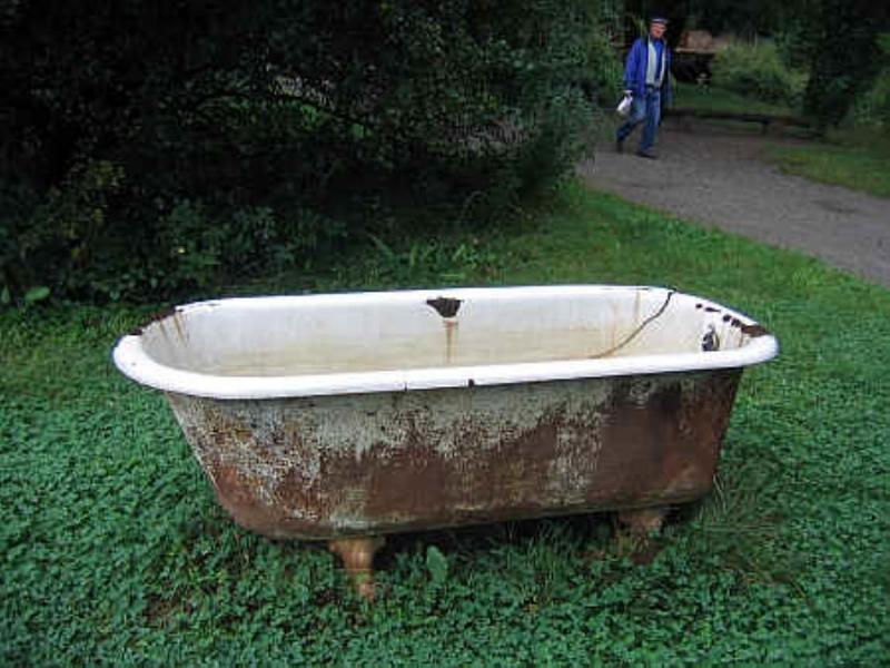 Покупаем, демонтируем и вывозим старые чугунные ванны и батареи